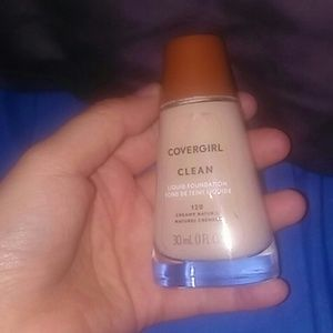 Brand new cover girl liquid foundation shade 120 c